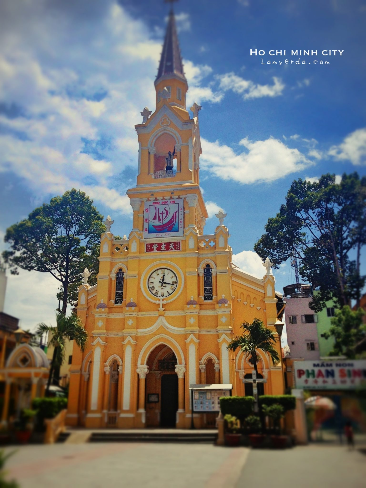 Saigon: Cha Tam Church