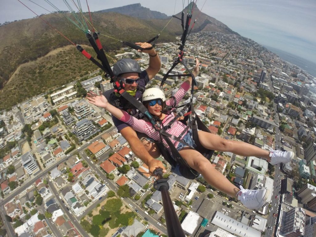 Paragliding Signal Hill Lions head view